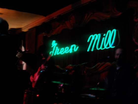 Nora O'Connor playing with Kelly Hogan at the Green Mill - Chicago