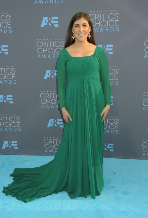 mayim-bialik-at-the-21st-annual-critics-choice-awards-in-los-angeles-510x750