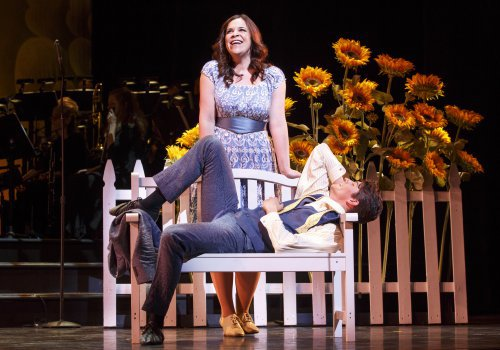Resized-500-Lindsay-Mendez-and-Brandon-Cowperthwaite-in-The-Godlen-Apple-Joan-Marcus