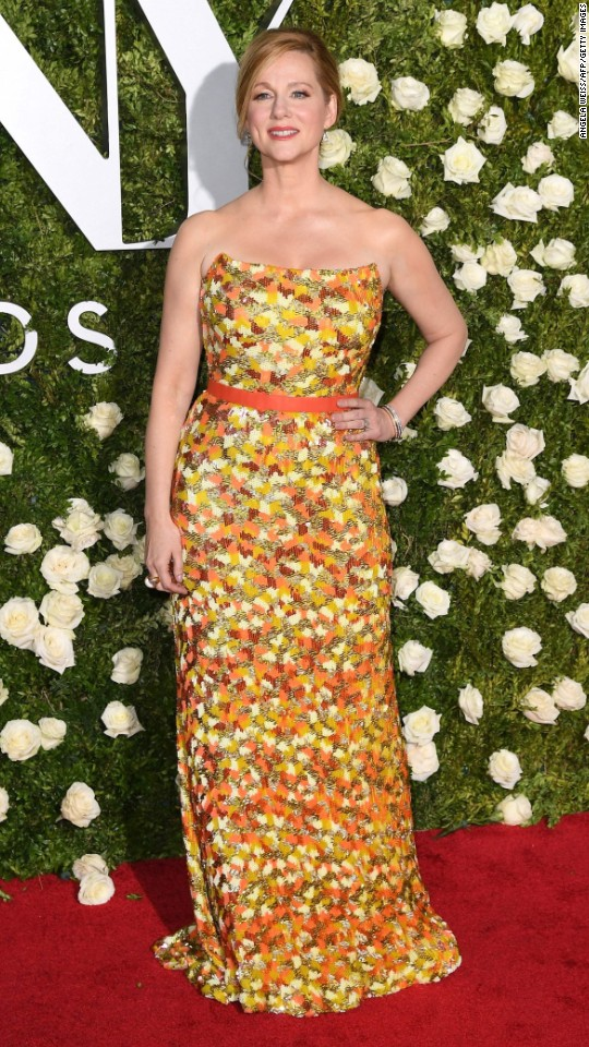 170611204628-40-tony-awards-laura-linney-super-916