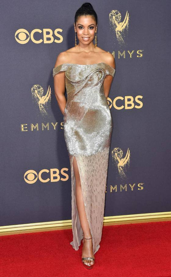 rs_634x1024-170917161357-634-Emmys-watson.cm.91717
