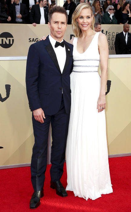 rs_634x1024-180121162710-634.Sam-Rockwell-Leslie-Bibb-SAG-Awards.ms.012118