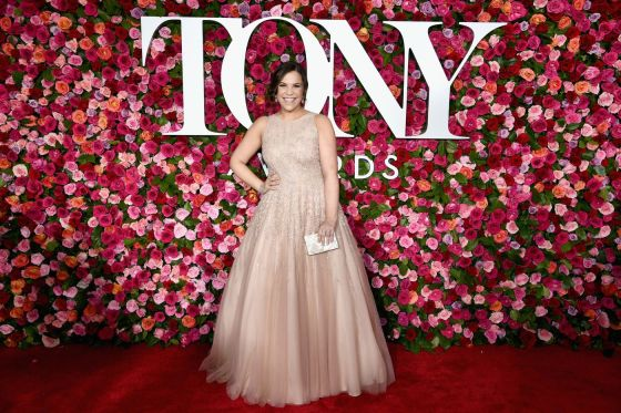 la-lb-media-afp-getty_2018tonyawards-redcarpet3-20180610-175025