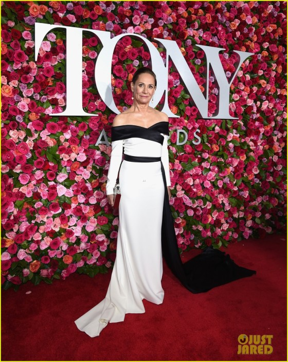 laurie-metcalf-tony-awards-2018-02