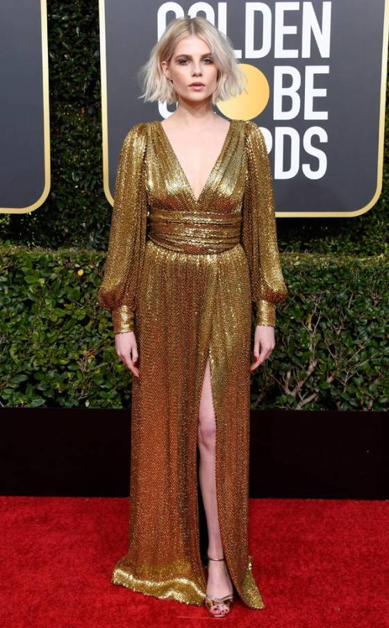 rs_634x1024-190106152029-634-2019-golden-globes-red-carpet-fashions-lucy-boynton