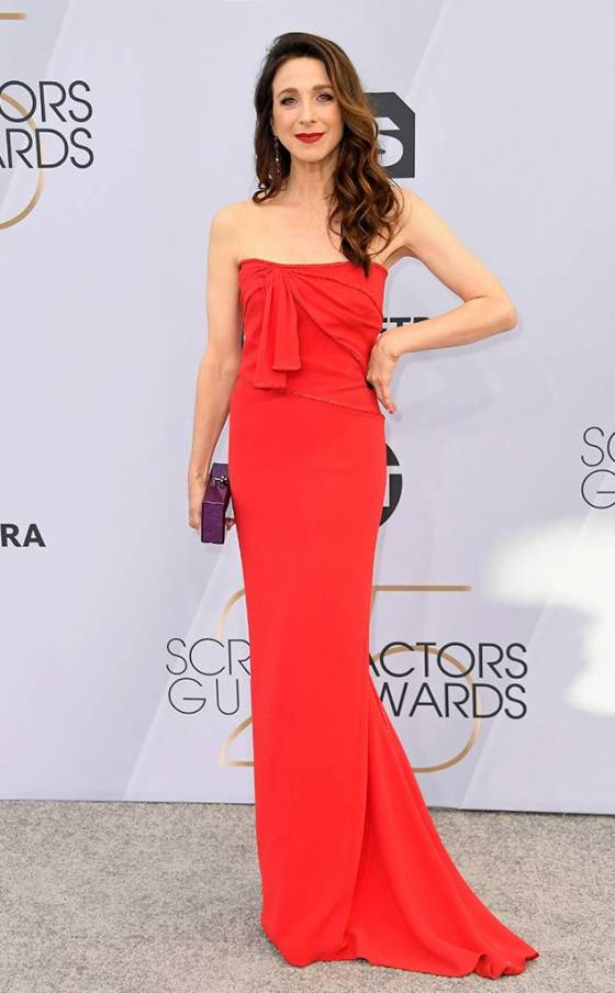 rs_634x1024-190127164228-634.marin-hinkle-2019-sag-awards-red-carpet-fashions.ct.012719